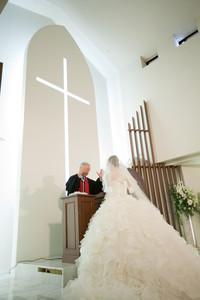 結婚式 チャペル ウェディングドレス マリトピア