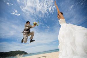 スーパーカメラマン大川さん ファシーノ 洋装 前撮り ロケーション撮影 海ロケ ウェディングドレス ブーケ